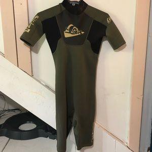 Quicksilver wet suit